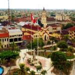 La Plaza de Armas en Iquitos