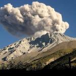 El Volcán Ubinas, el más activo de Perú