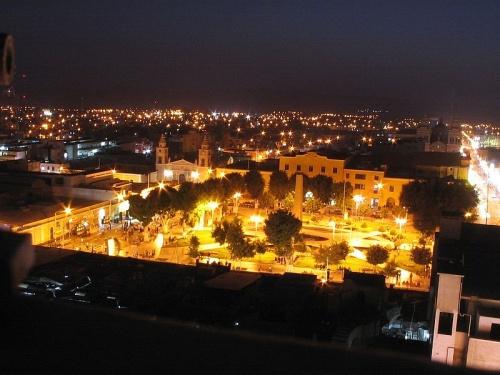 Centro de Ica de noche